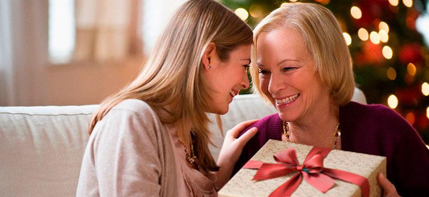 что подарить маме на новый год